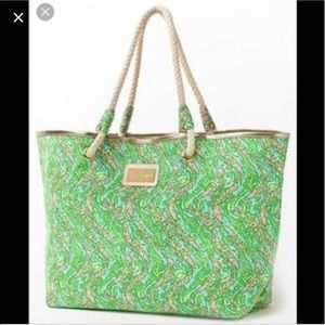 Lilly Pulitzer Bags - Lilly Pulitzer Shoreline tote- Later alligator